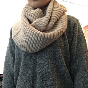 Accessories - Knitted Infinity Scarf